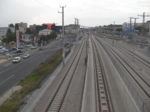 Blick von der Brücke in die Unterwerfung (https://schaffnerin.wordpress.com/2013/12/13/unterwerfung-hauptbahnhof/) (zweites Gleis von links).